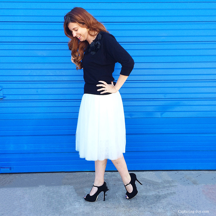 Style white tulle skirt blue wall