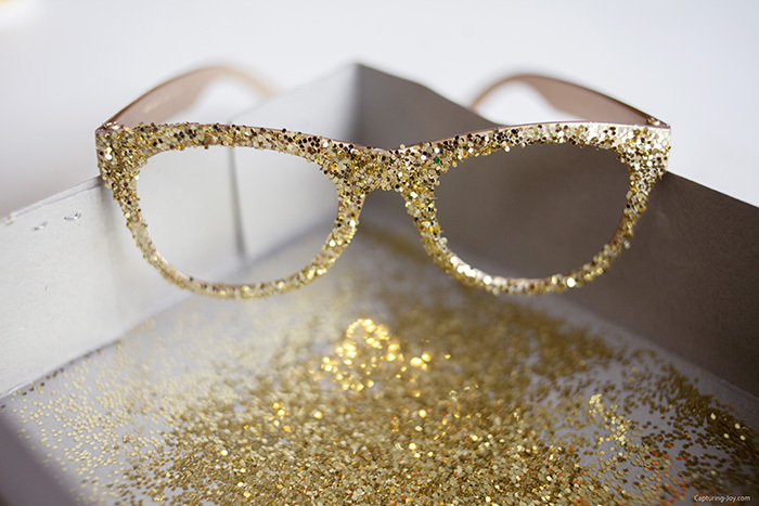 Kids craft DIY glitter glasses
