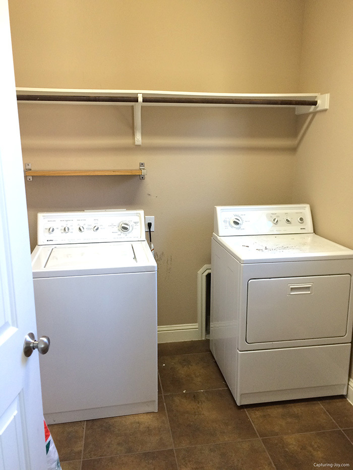 laundry room before the makeover