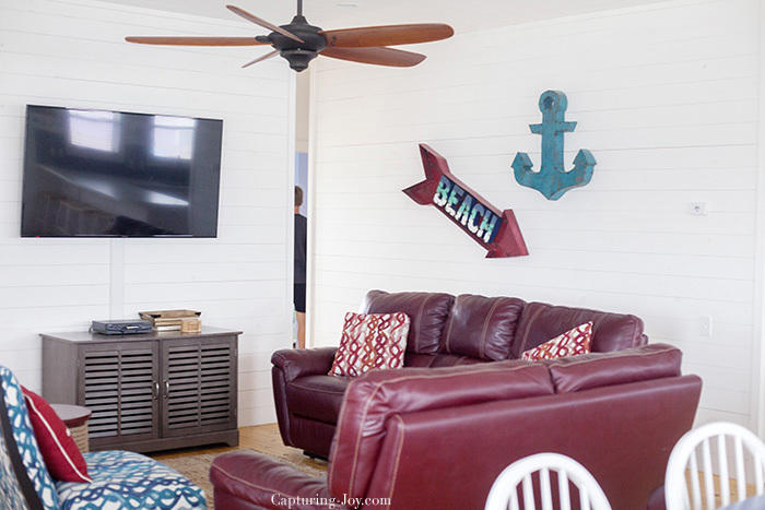 How to book with AirBnB beach house cute home decor
