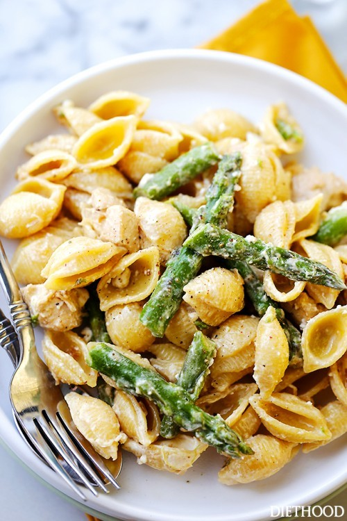 Chicken and asparagus shells and cheese