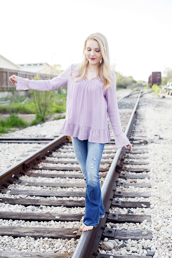 senior pictures on train tracks