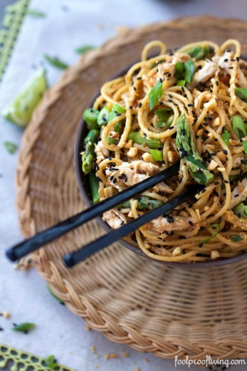 sesame noodles with asparagus