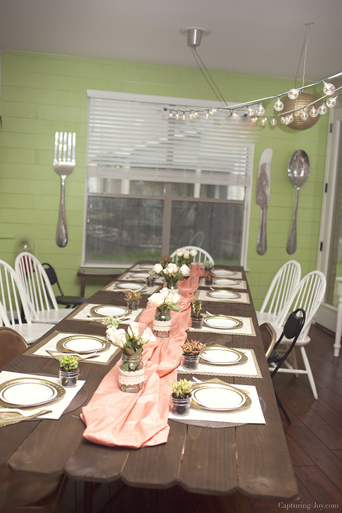 How to throw a dinner party table set up