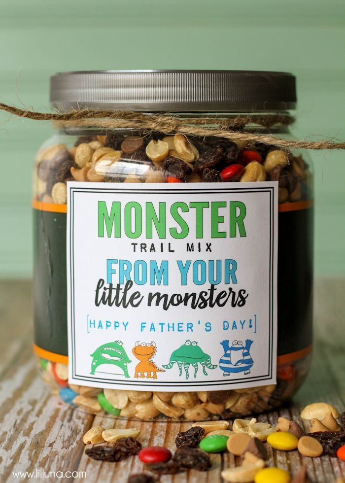 Trail mix gift idea for Father's day.