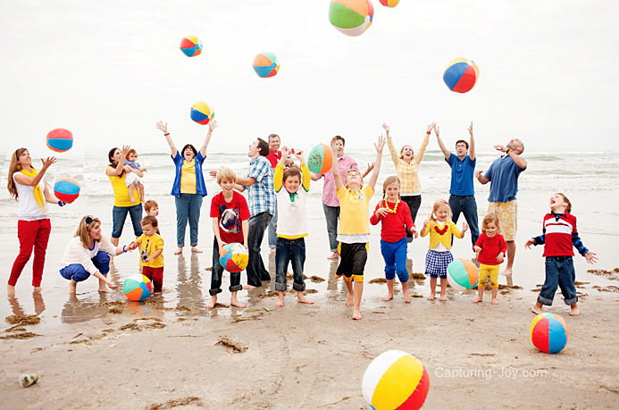 beach ball extended family pictures