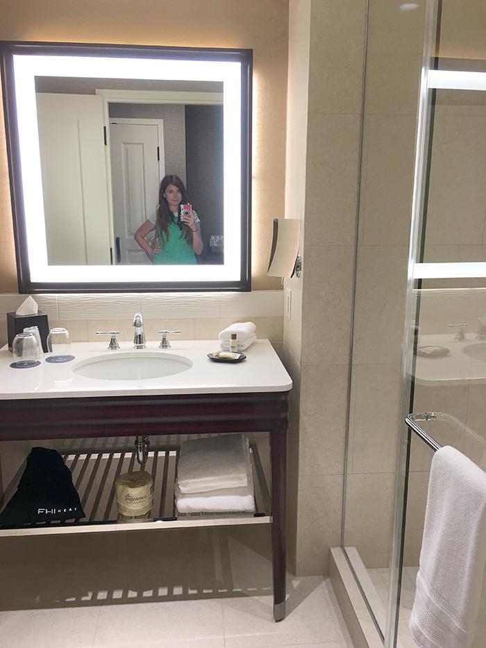 Sheraton Georgetown Texas hotel bathroom