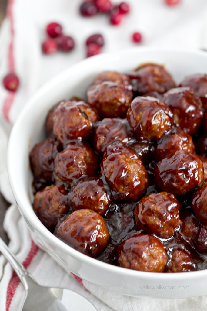 cranberry-barbecue-meatballs-appetizer