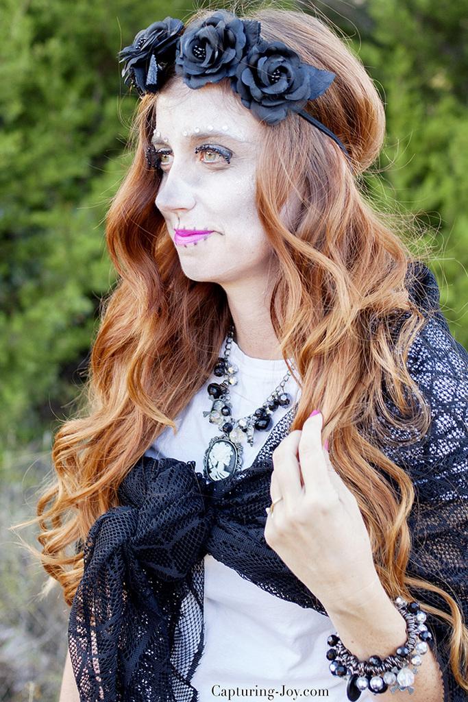 womens-halloween-costume-idea-sugar-skeleton-day-of-the-dead