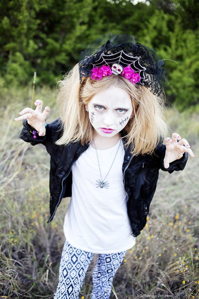 girls-skeleton-hallowen-idea-day-of-the-dead