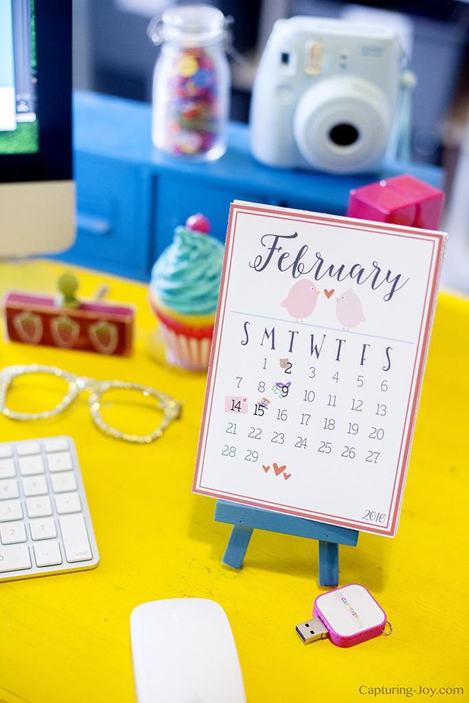 free-printable-desk-calendar-for-holidays