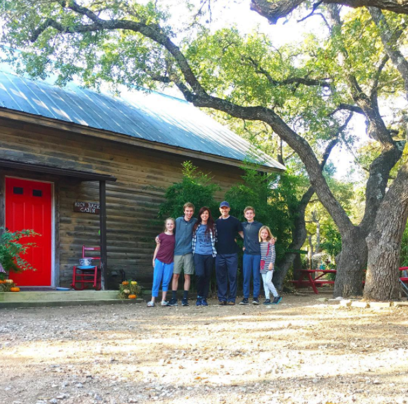 Kick Back Cabin in Wimberly