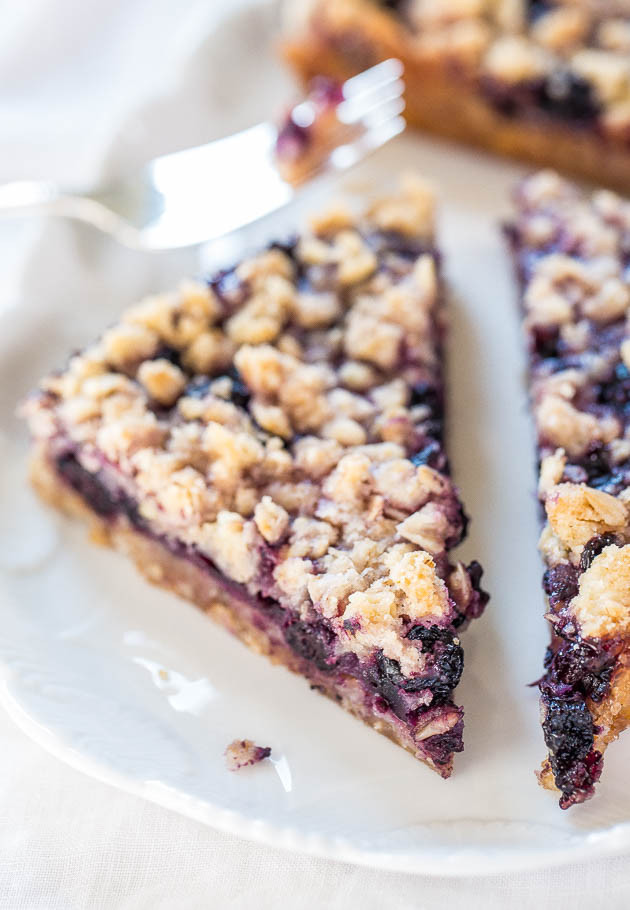 blueberry oatmeal crumble bar