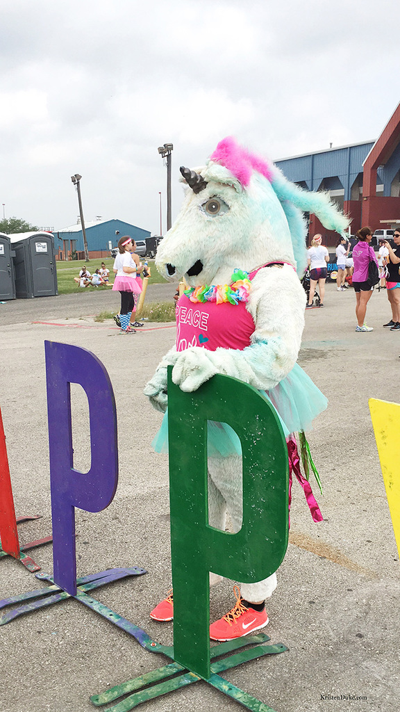 unicorn at the color run