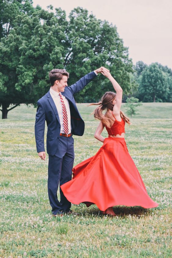 prom pictures dance twirl